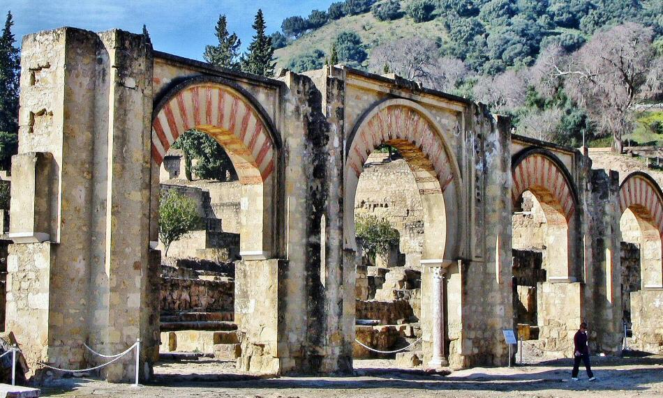 C rdoba qu ver en medina azahara gu as viajar for Avvolgere intorno al costo del portico