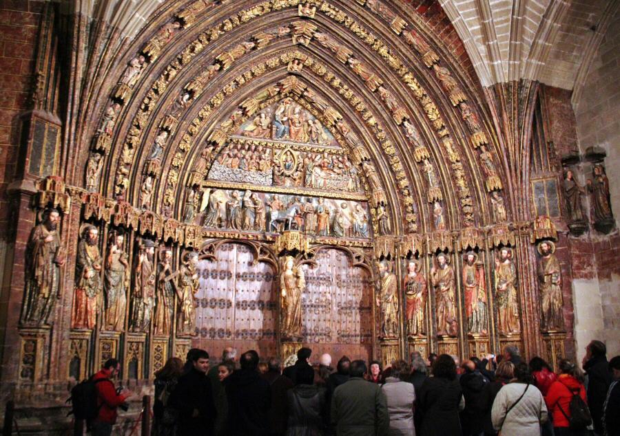 Pörtico de la iglesia de Santa María de Laguardia en Rioja Alavesa