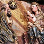 Detalle del tímpano del Pörtico de la iglesia de Santa María de Laguardia