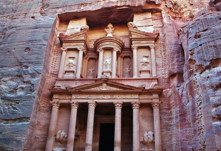 Fachada del Tesoro de Petra en Jordania