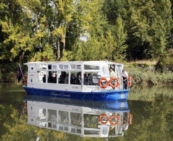 Barco Marques de la Ensenada en Canal de Castilla en Palencia @Turismo Palencia