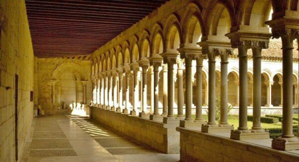 Claustro de San Andrés de Arroyo en Palencia @Turismo Palencia