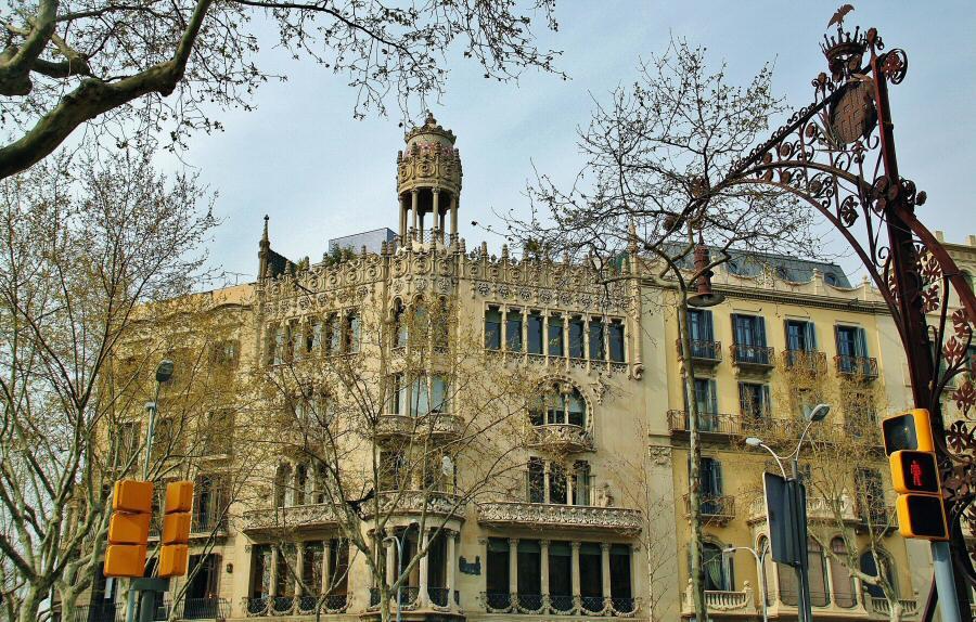 Barcelona visitas guiadas de la casa modernista lle y - Casa modernista barcelona ...