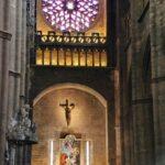 Interior de la catedral gótica de Rodez al sur de Francia