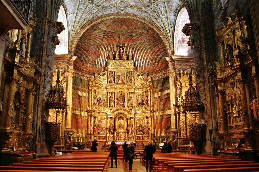 Abside de la iglesia de San Andrés de Elciego en Rioja Alavesa