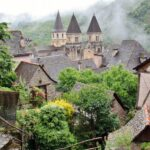 Abadía románica de Conques en Aveyron al sur de Francia