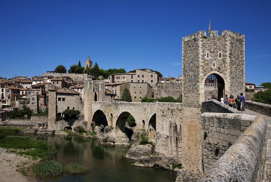 Besalú en Ripollés @Foto: Patronato Turismo Costa Brava Girona