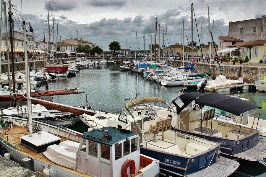 Puerto de San Martín de Ré en la isla de Ré al oeste de Francia