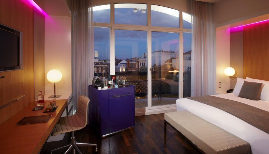 Iluminación eficiente en hoteles sostenibles @Foto: ME Madrid Reina Victoria