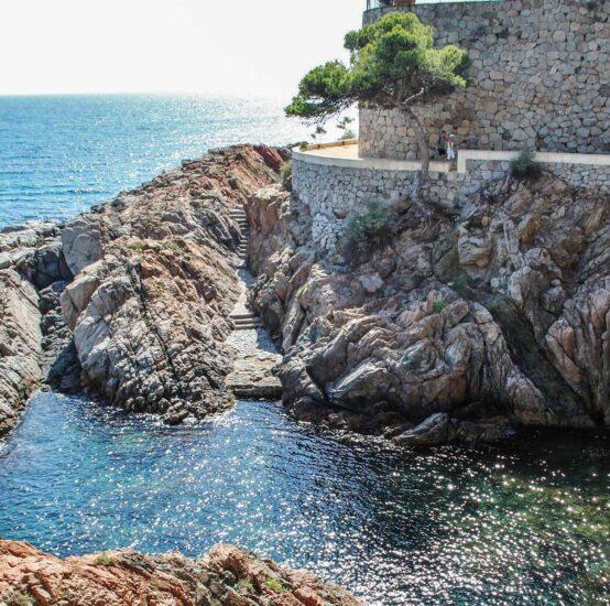 Cala en el Camino de Ronda de S´Agaro en Costa Brava