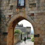 Puerta del Triunfo en la muralla de Trujillo en Extremadura