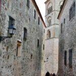 Torre románica de la iglesia Santa María la Mayor en Trujillo