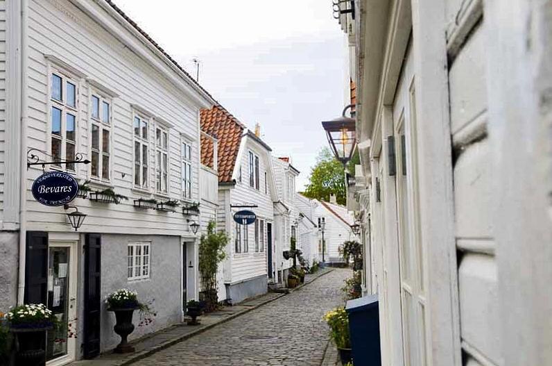 Barrio antiguo de Stavanger al sur de Noruega