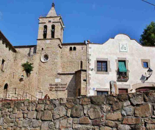 Iglesia de Castell de Aro en el Ampurdán Costa Brava