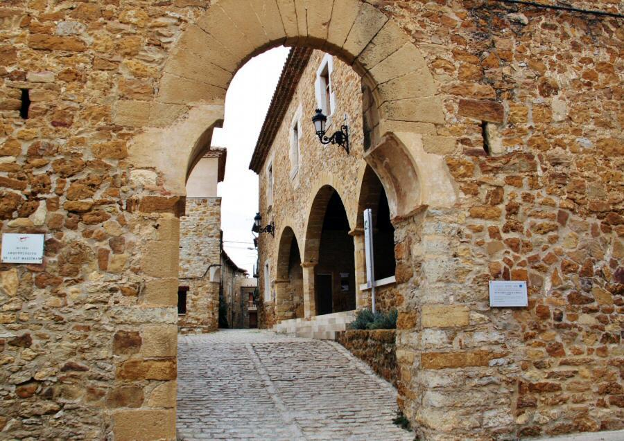 Arco de La Mola en Benassal en Maestrazgo de Castellón
