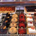 Puesto de dulces en el Mercado Central de Valencia