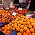 Puesto de naranjas en el Mercado Central de Valencia