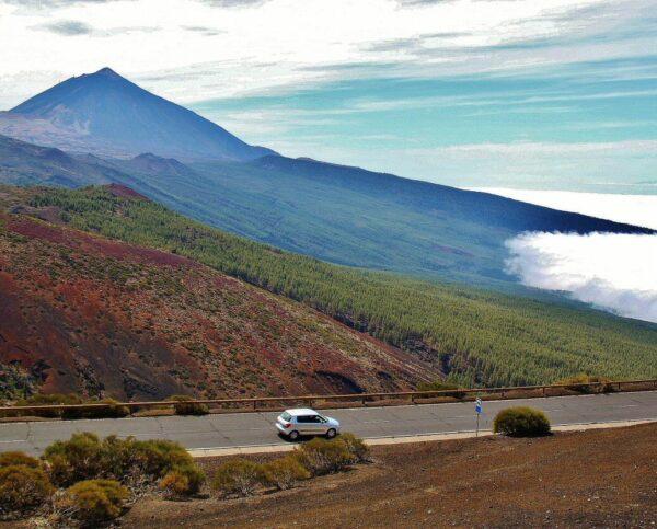 Mar de nubes al pie del Teide en Tenerife