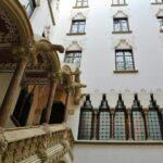 Patio interior del Palau Macaya en Barcelona