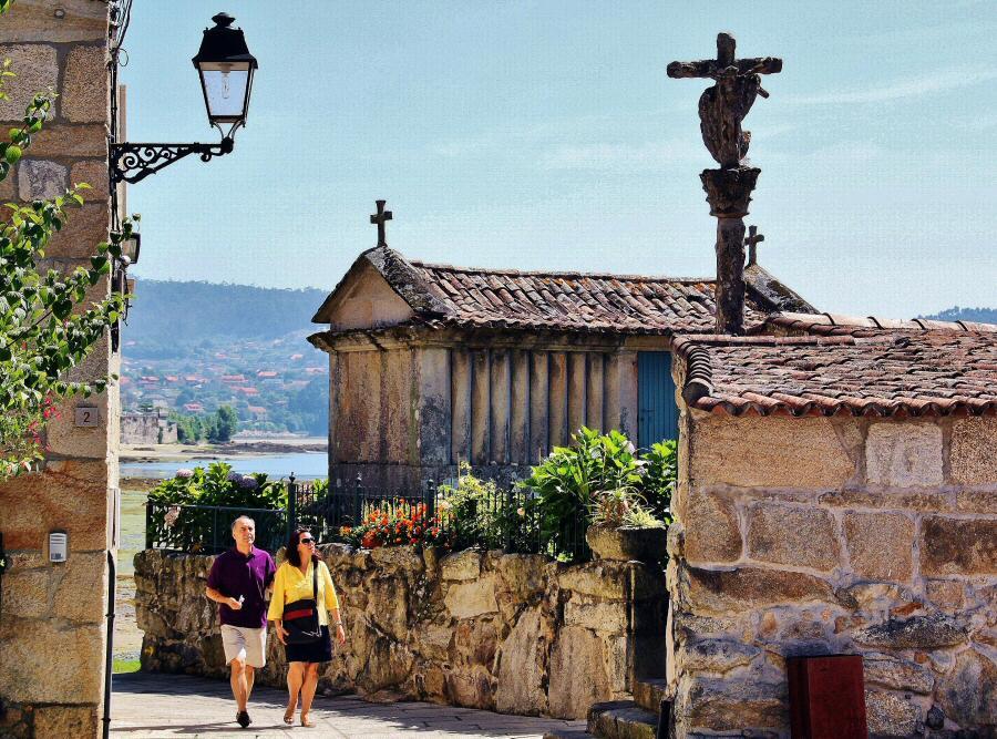 Qu ver en combarro galicia gu as viajar - Casas con encanto galicia ...