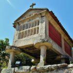 Hórreo en Combarro en las Rías Bajas de Galicia