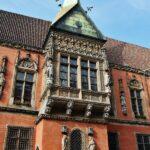 Antiguo ayuntamiento de Wroclaw en la plaza del Mercado