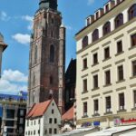 Iglesia de Santa Isabel desde la plaza del Mercado de Wroclaw