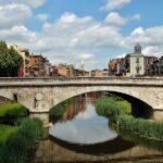 Puente sobre el río Onyar en Girona