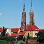 Torres de la catedral de Wroclaw en Polonia