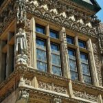 Antiguo ayuntamiento gótico en la plaza del Mercado de Wroclaw