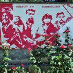 Muro homenaje en el museo de la Insurrección de Varsovia en Polonia