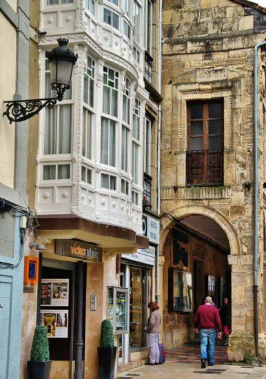 Rincón del casco histórico de Avilés en Asturias