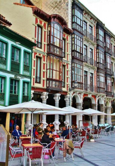 Calle Galiana en el casco histórico de Avilés