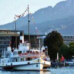 Barco a vapor para cruceros en Lago Lucerna