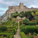 Castillo de Marvao desde los jardines de Santa María en Alentejo