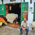 Barrio de curtidores en la Medina de Tetuán en Marruecos