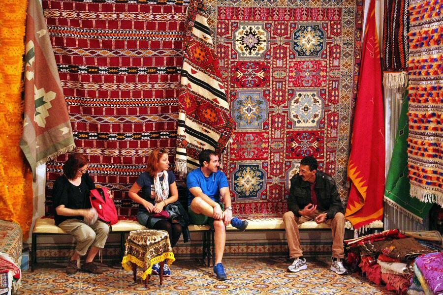 Comprar alfombras en marruecos gu as viajar - Catalogo alfombras ...