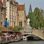 Rincón de los canales de Brujas en Flandes Bélgica