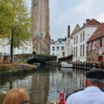 Paseo en barca por los canales de Brujas en Flandes