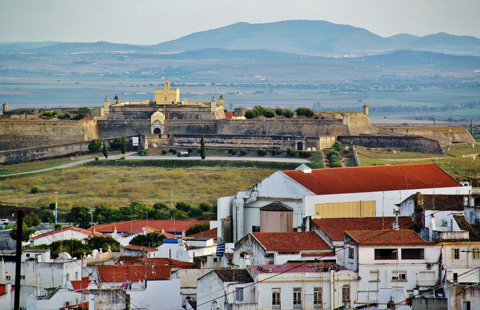 Vistas del Fuerte de Santa Lucia desde Elvas en Alentejo Portugal
