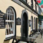 Bar en Clifden en la ruta de la costa atlántica de Irlanda