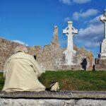Conjunto monástico de Clonmacnoise en Irlanda