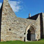 Restos de la catedral de Clonmacnoise en Irlanda
