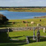 Río Shanonn junto a Clonmacnoise en Irlanda