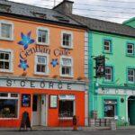 Pueblo de Kinvarra en la ruta de la costa atlántica de Irlanda