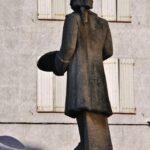 Estatua de Jacint Rigau en su plaza en Perpiñán