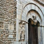 Pórtico de la iglesia de San Juan el Viejo en Perpiñán