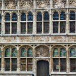 Fachada de una casa medieval de Graslei en Gante en Bélgica