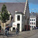 Bar Glagenjuisje y Lonja de la Carne en Gante en Flandes Bélgica