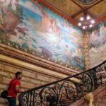 Escalera del palacete L'Hotel Pams en Perpiñán al sureste de Francia